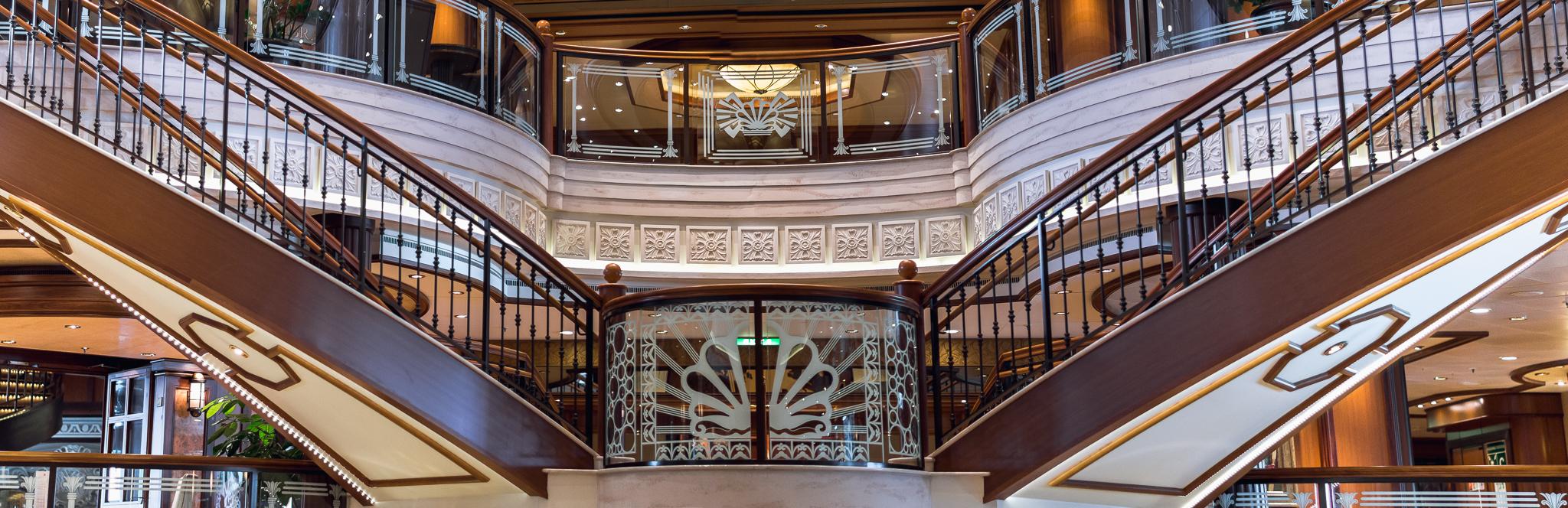 Cunard - Queen Elizabeth