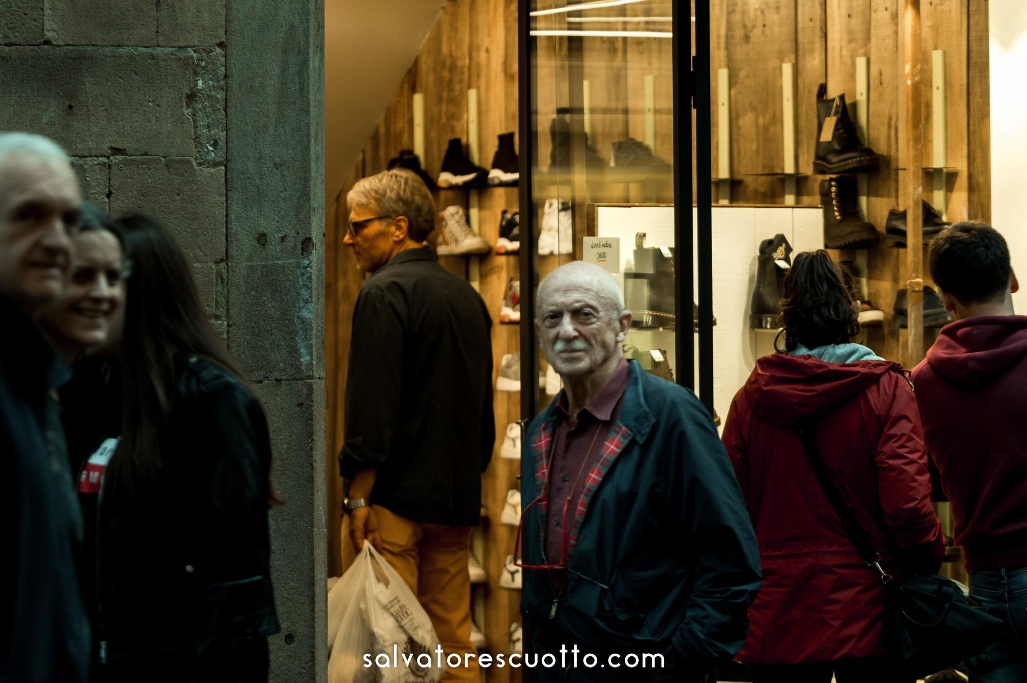 Lucca. Via Fillungo 88 Domenica in centro